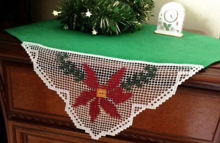 FSL Poinsettia Embroidery design corner - Christmas filet Xmas