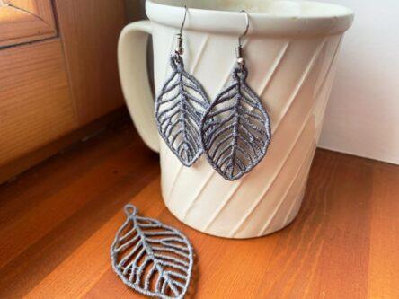 Leaf earrings embroidery design